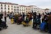 Usuarios de Cocemfe Cáceres en la plaza mayor con motivo de la V Marcha solidaria.